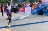齐河马拉松|1小时3分钟!半程马拉松男子组第一名冲过终点!