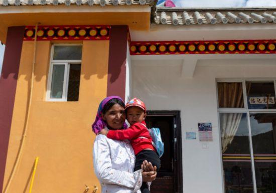 剑川县老君山最后一批彝族村民搬出深山 易地扶贫走上致富路