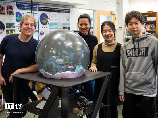 """假装""""神婆"""":加拿大团队展示触摸式VR水晶球"""