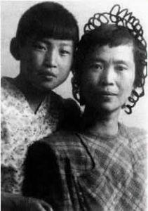 贺子珍与女儿李敏