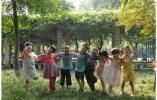 她未婚未育养大23个娃 中国10个村有上百个这样妈