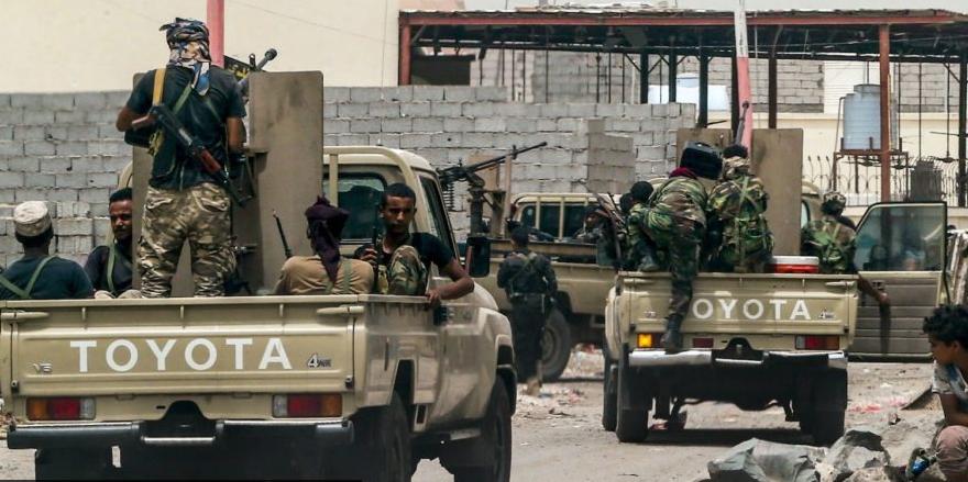 """""""基地""""组织在也门处决一名牙医并炸毁医院 指控其为美国无人机做向导"""