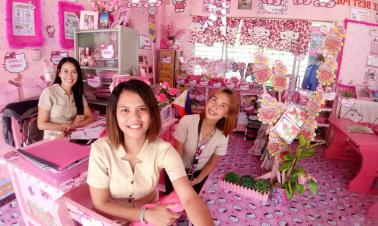 Hello Kitty-themed classroom offers students new study environment