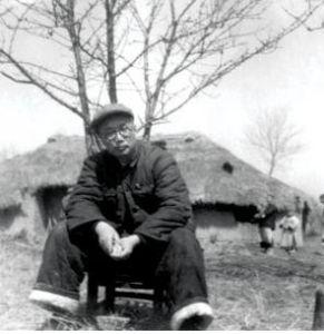 1951年,李葆华在湖北松滋荆江分洪区