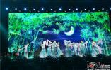 河北正定中学举行毕业音乐会为考生加油