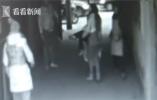 6岁女童被饮料柜砸中身亡 店家:全怪家长没看好