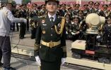 阅兵式军乐团内有位24岁的阜宁姑娘