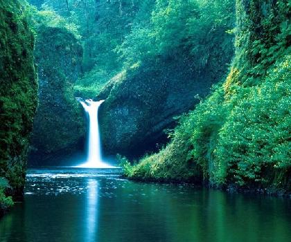 浙西大峡谷瀑布一景