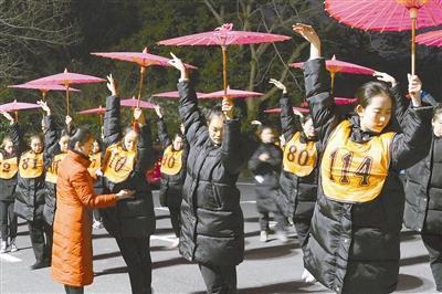 《最忆是杭州》归来!沉寂了一个冬天的夜西湖又将苏醒